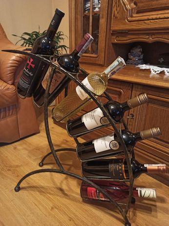 Metalowy stojak na alkohol