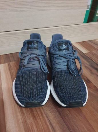 Buty męskie Adidas Swift Run 42 2/3 Stan Bdb