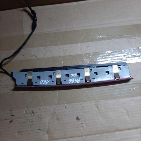 Trzecie światło stopu audi a4 b6 kombi 2002r