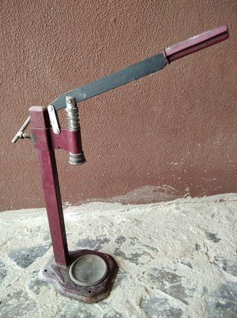 Máquina para Engarrafar Garrafas de Vinho, Licores, etc...