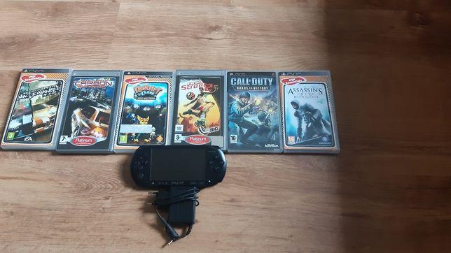 PSP Street PSP-E1004CB + 8 gier + pudełko