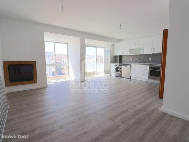 Apartamento T2 totalmente remodelado na Arroja, Odivelas