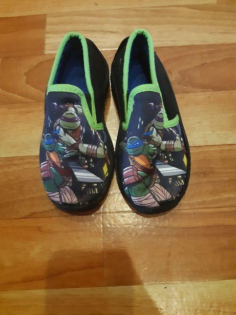 Pantofelki. Nowe