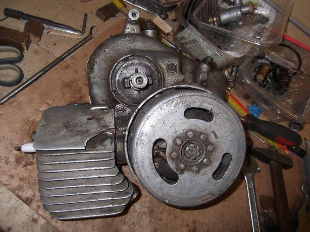 Zabytkowy silnik do roweru Fichtel & Sachs Saxonette.