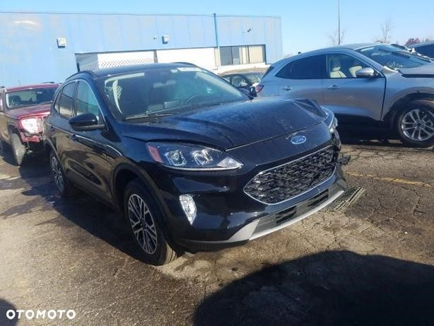 Ford Kuga panoramiczny dach / SEL / 4x4