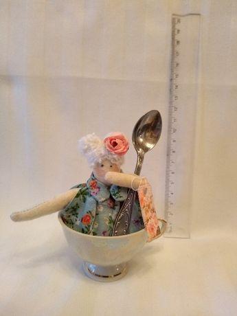 """Продам интерьерную игрушку """"Мисс Пепперпот в чашке"""""""