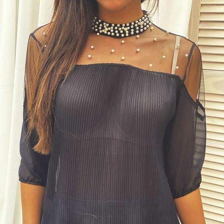 Чорна блузка з перлинками