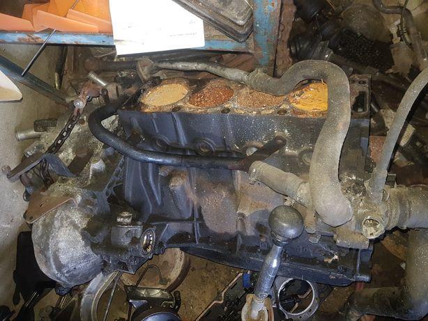 Мотор по запчастинам пежо 605 2.1 дізель
