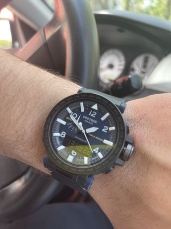 Продам часы Casio Pro Trek