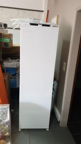 Arca frigorifica congeladora vertical encastrar