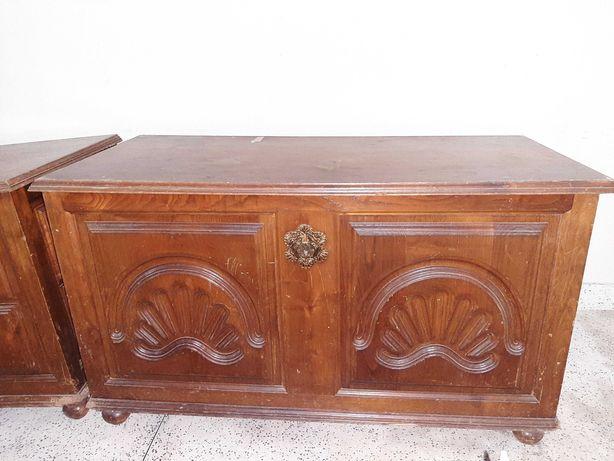 2 arcas / baús antigos em madeira para restauro (25€ cada)