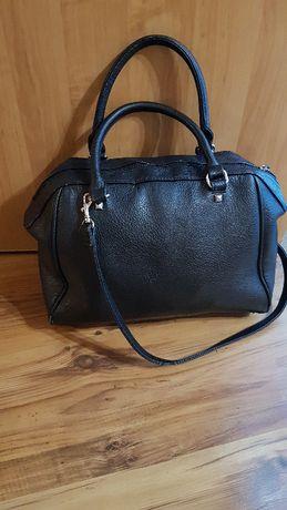 Czarna torba w rękę i na ramię H&M :)