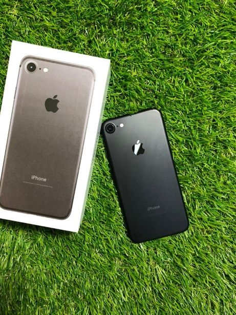 Смартфон Apple iPhone 7 128GB Black (MN922)