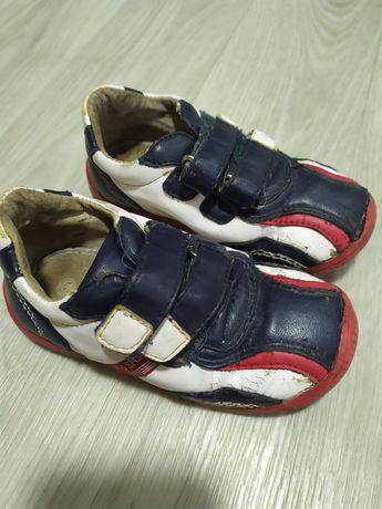 Кроссовки мальчику кожаные 25 размер