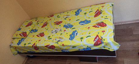 Кровать полуторка вместе с матрасом
