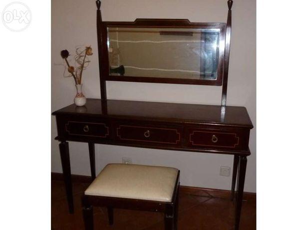 Consola vintage estilo D. Maria II + banco em pele