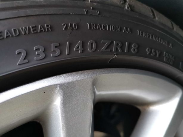 2 sztuki 235/40 18 Opony zima Dunlop SP Sport Maxx GT MO 6,5mm