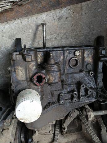 Продам двигун 03