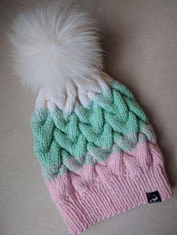 Вязаная шапка на девочку, шапочка с меховым помпоном, р 50