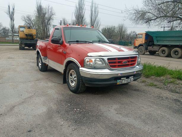 Продам Ford F150 4.2 L 2003 год