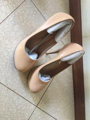 Туфли Baskoni 36 размер