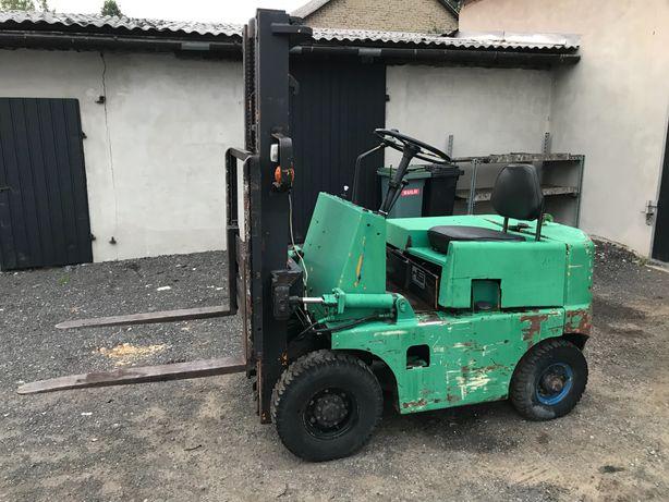 Wózek widłowy KOMATSU. Udźwig 1400 kg.