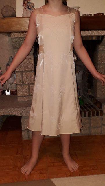 Vendo vestidos de casamento/cerimónia para menina