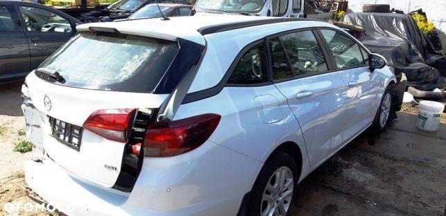 Opel Astra 1.6 CDTI Salon polska uszkodzony bogata wersja Enjoy całe podłuznice!