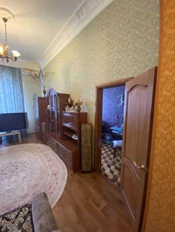 Продам  2 комнатную квартиру Центр
