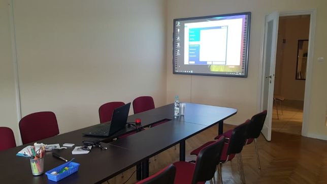 Tablica interaktywna + projektor