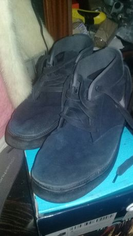 Продам ботинки Nike   45 размера натуральный замш.