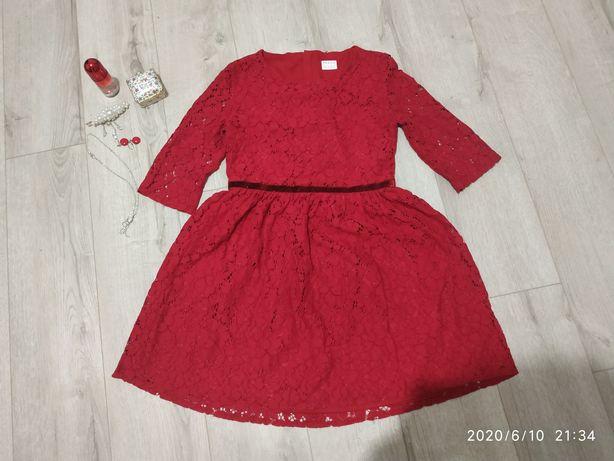 Стильное очень красивое фирменное платье на 9-10лет