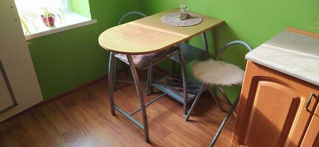 Stolik z dwoma krzesłami do kuchni stan bdb