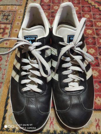 Кроссовки Adidas , Nike