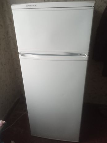 Двухкамерный Холодильник Технолюкс (140 См)