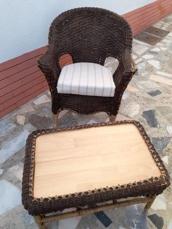 Cadeira e mesa verga