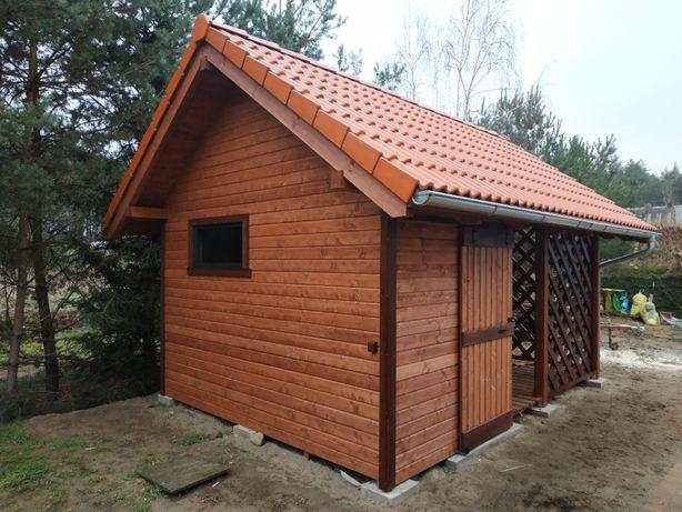 Drewniany budynek gospodarczy