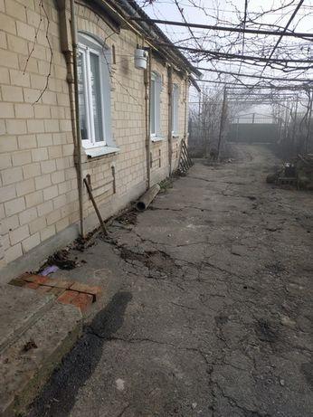 Продам дом с земельным участком на микрорайоне (5 минут от Елены)