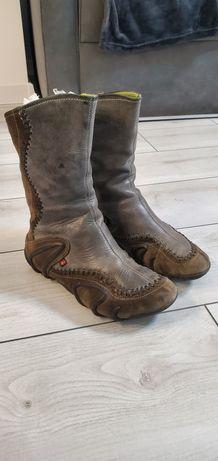 Взуття осіннє ecco
