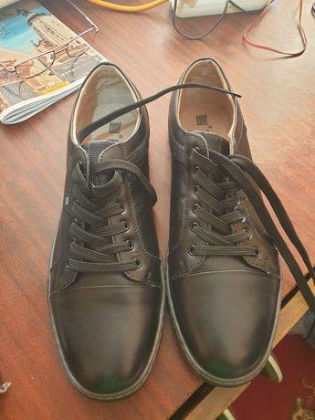 Продам мужские туфли 45р.