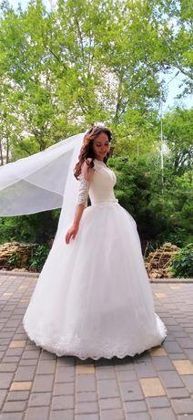 Сдам платье в свадебный салон