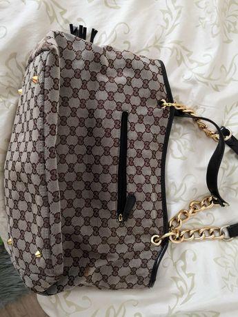 Elegancka torebka wloska  Gucci
