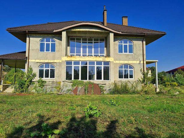 Без комиссии продам элитное имение в центре с. Иванковичи