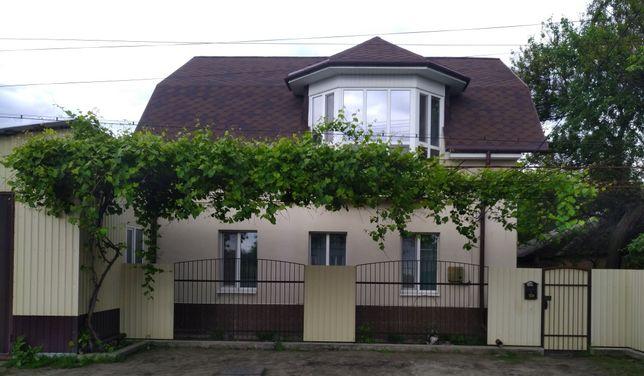 Продам або обміняю теплий сучасний двоповерховий будинок у Чутовому