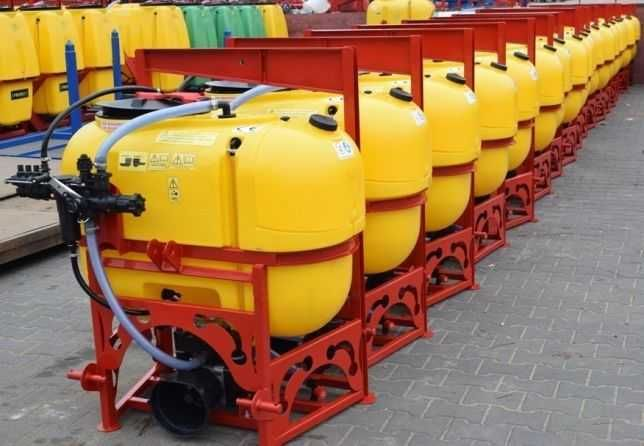 Opryskiwacz polowy zawieszany 200 litrów lanca 8metrów głowice V nowy