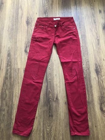Jeansy czerwone roz 36
