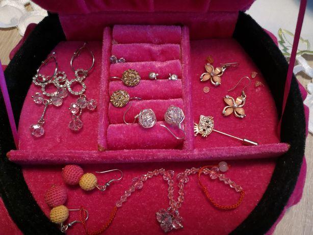 Piękna biżuteria sztuczna