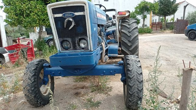 Tractor Ford 5600