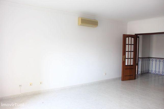 Apartamento T2 - Carregado