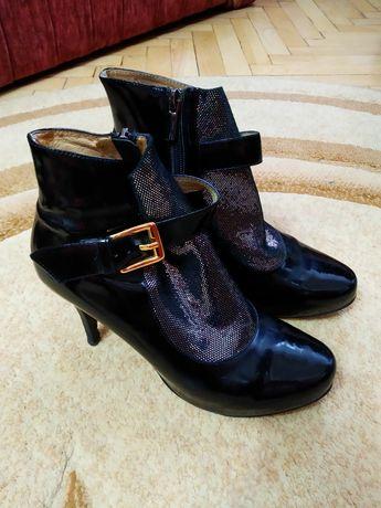 Женские весенние, осенние, демисезонные ботинки, ботиночки, ботильоны